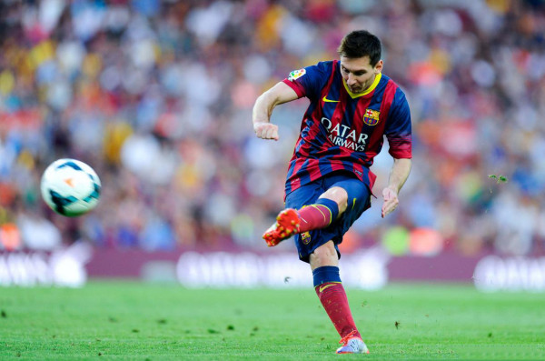 Lionel Messi scoring his first brace of the 2013-2014 season