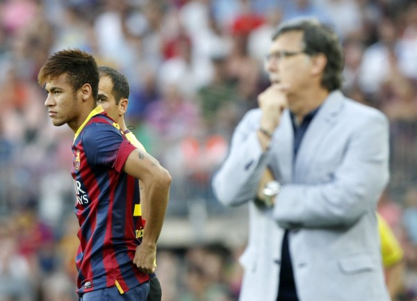 Neymar and Tata Martinez, on Barceloa vs Levante