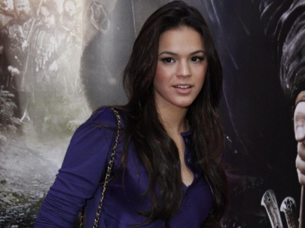 Bruna Marquezine in a casual purple dress