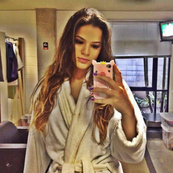 Bruna Marquezine, Neymar girlfriend taking a photo wearing a rope
