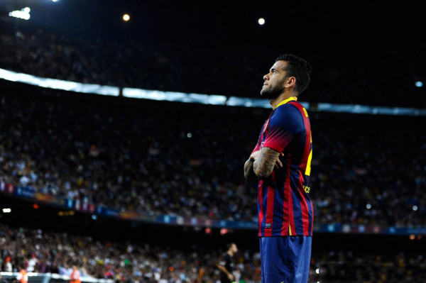 Daniel Alves silent Barcelona goal celebration, in honor and tribute of Eric Abidal