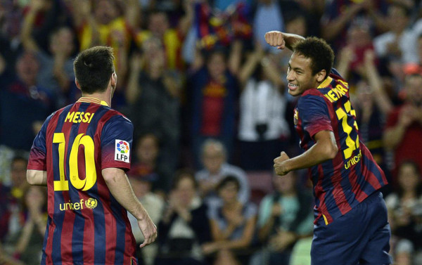 Lionel Messi chasing Neymar to congratulate him for his goal in Barcelona