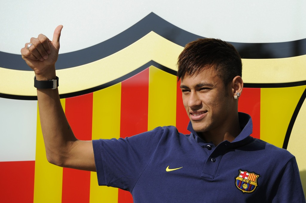 Neymar arriving to Barcelona in the summer of 2013
