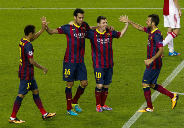 Neymar, Busquets, Messi and Fabregas celebrating Barça goal