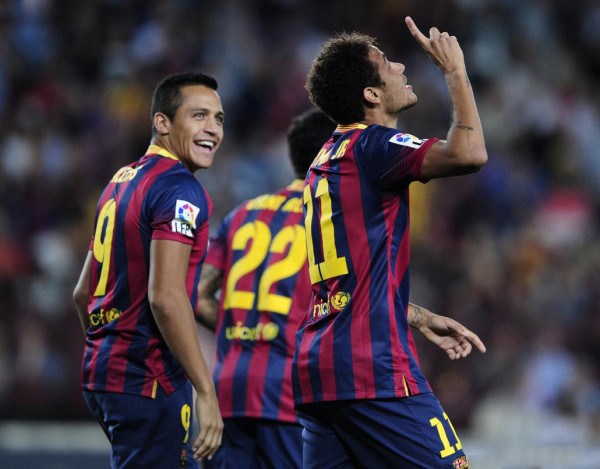 Neymar first goal celebration in La Liga, thanking God