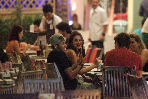 Neymar hanging out with Bruna Marquezine and friends