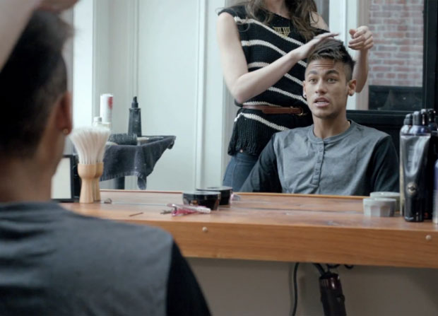 Neymar in the barber shop, cutting and styling his hair