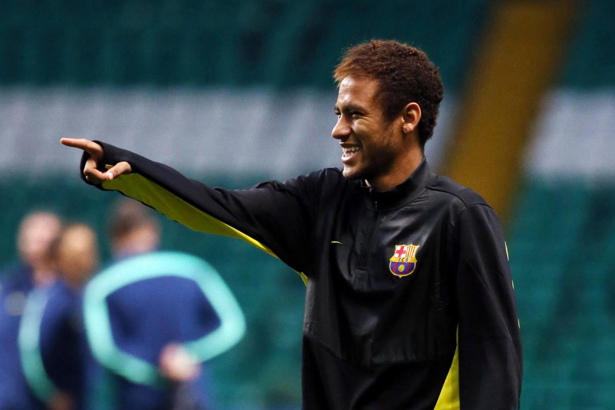 Neymar new haircut, in a Barcelona warm-up session, ahead of a Champions League game