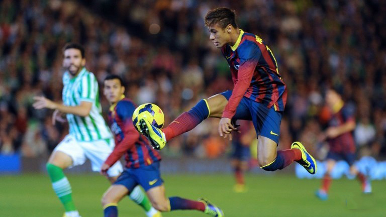 Neymar controlling the ball in the air, in Barcelona
