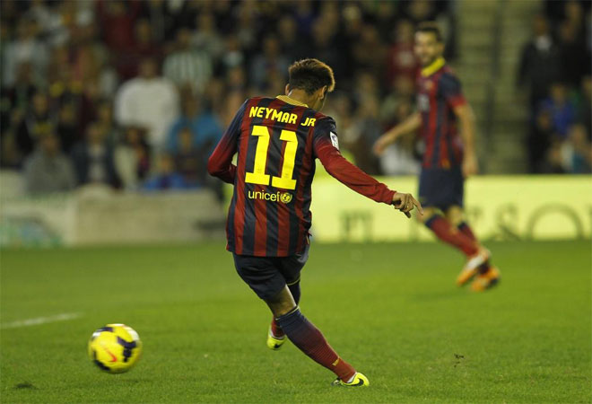 Neymar scoring a goal in Betis vs Barcelona