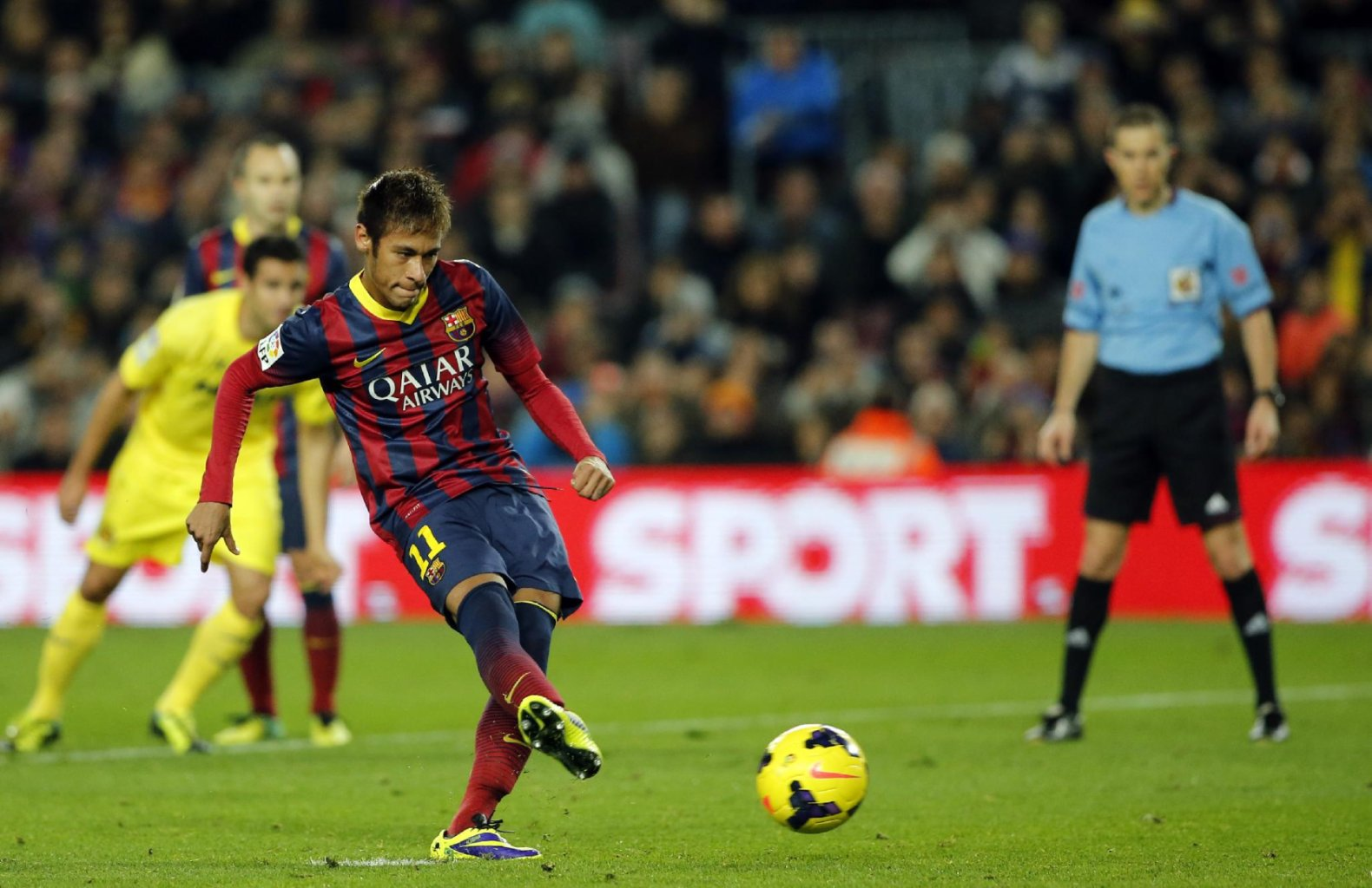 Neymar scoring from the penalty-kiick spot