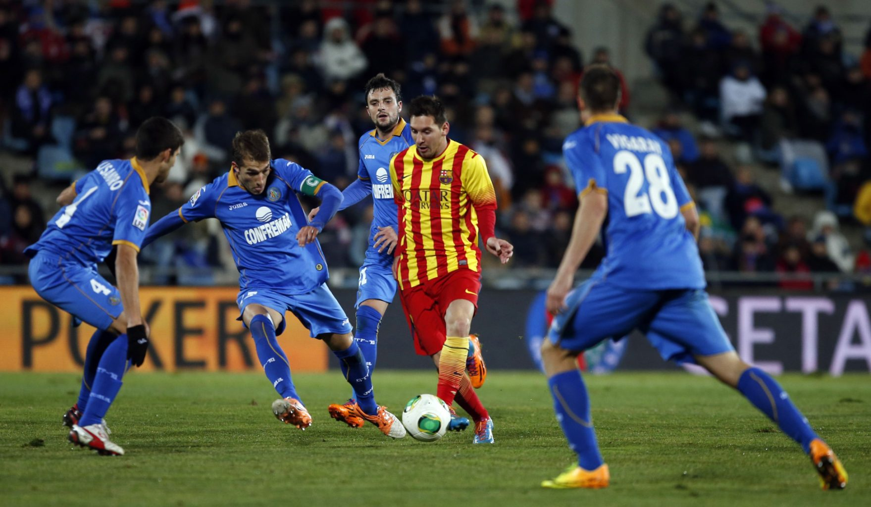 Lionel Messi against 4 defenders, in Getafe vs Barcelona