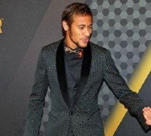 Neymar congratulates Cristiano Ronaldo on winning the FIFA Ballon d'Or 2013
