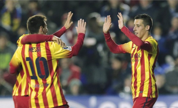Tello thanking Messi for his hat-trick assist