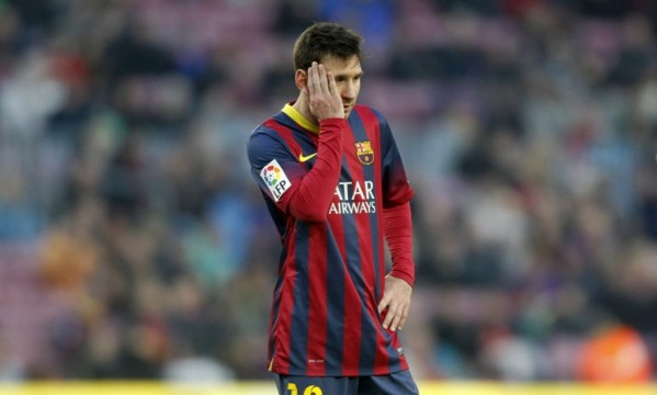 Barcelona 2-3 Valencia: League leadership lost at home