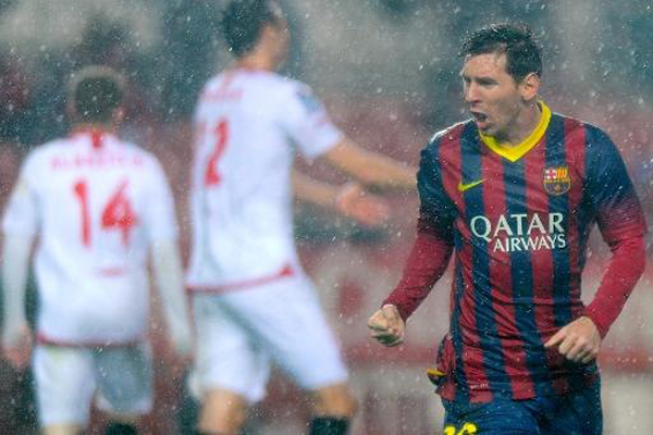 Messi leads Barcelona to victory in Sevilla