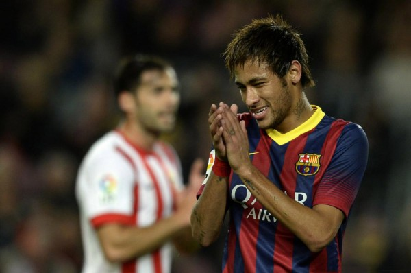 Neymar smiles in Barcelona