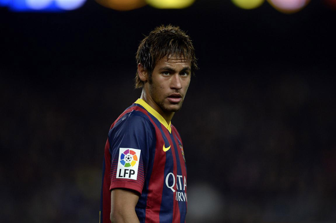 Neymar weird haircut in a Barcelona game