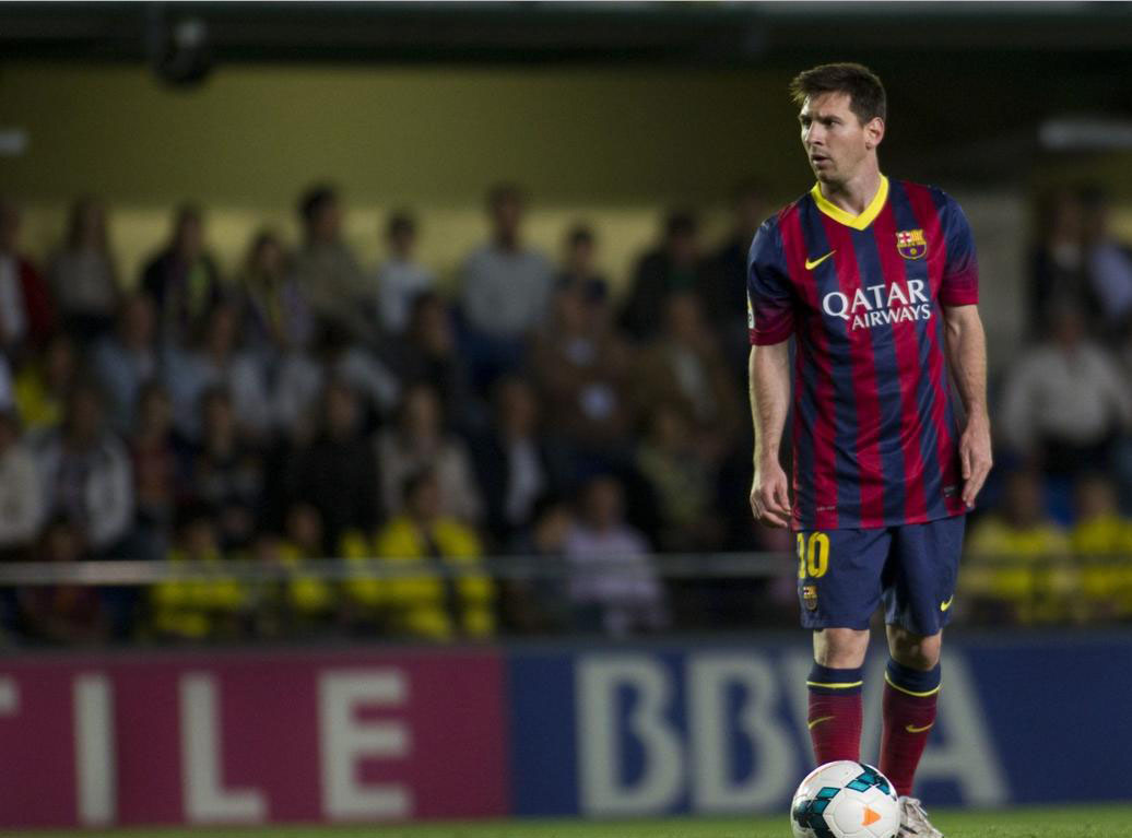 Lionel Messi getting ready to take a free-kick