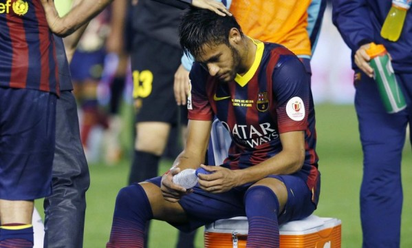 Neymar gets injured and should miss the next 3 to 4 weeks
