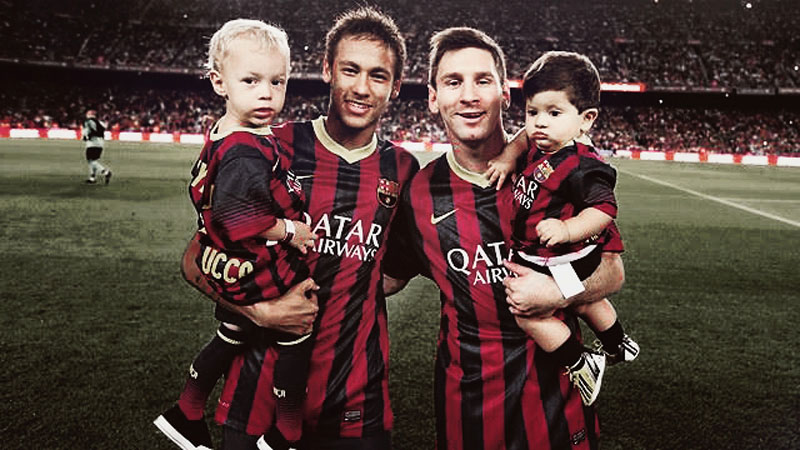 Neymar and Messi photo holding their sons