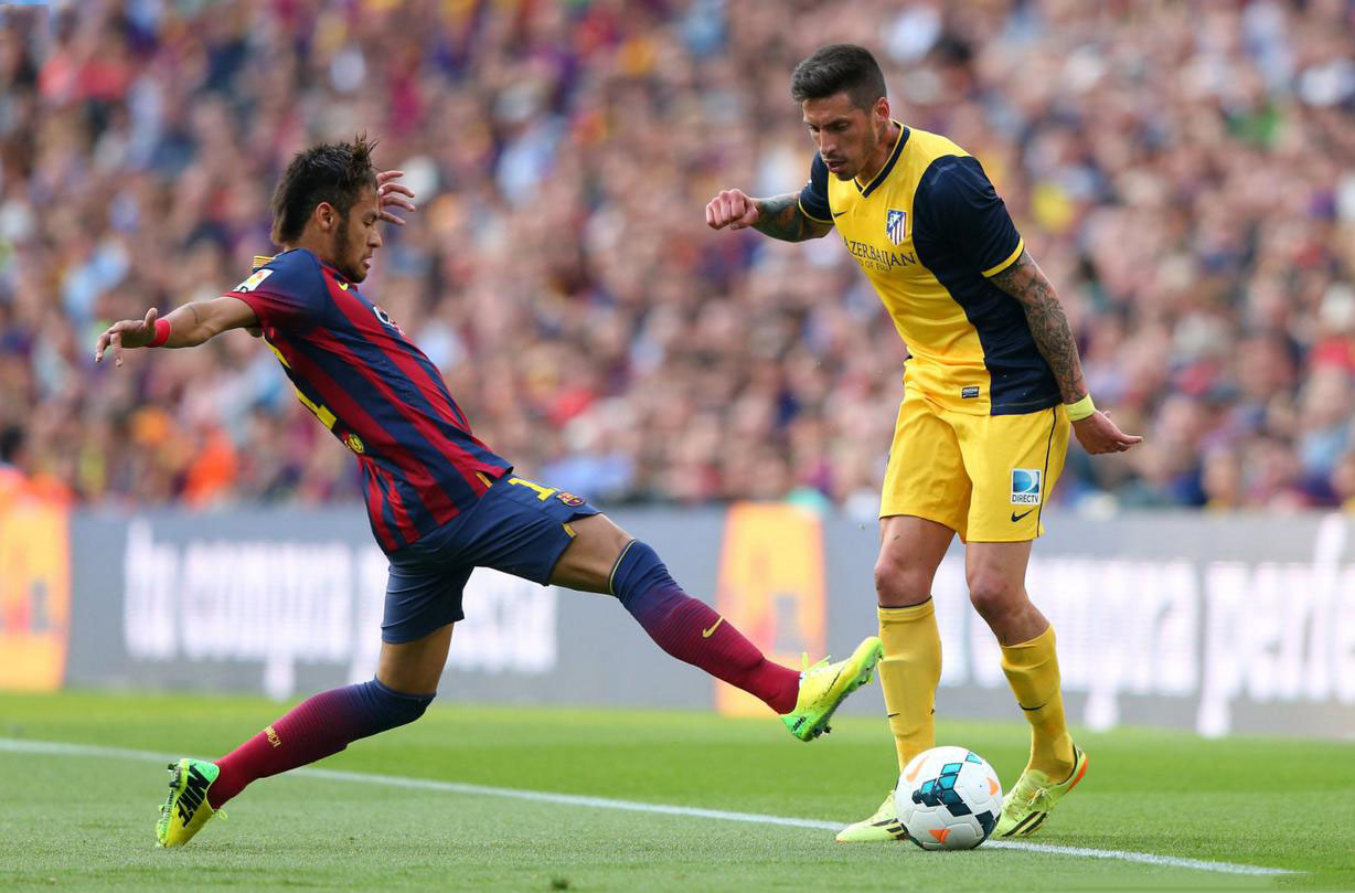 Neymar in a defensive action