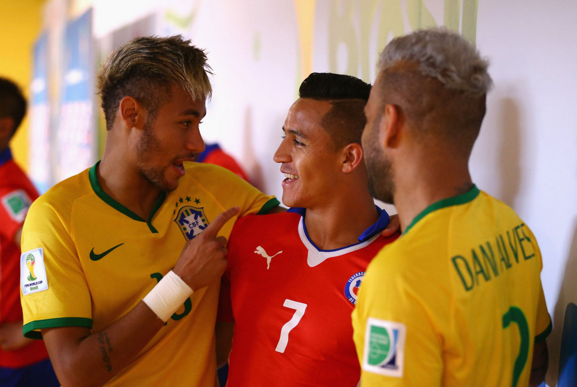 Neymar and Alexis Sanchez, before Brazil vs Chile in the FIFA World Cup 2014