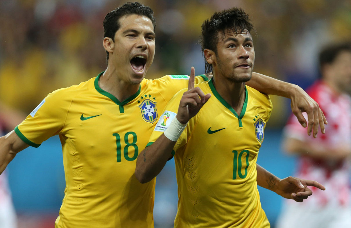 Neymar and Hernanes in Brazil 2014