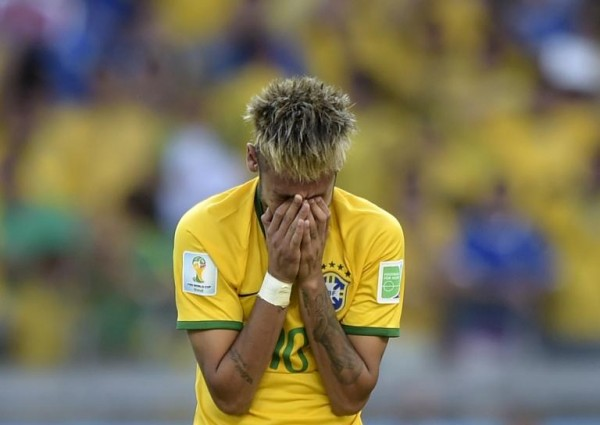 Neymar crying at the end of Brazil vs Chile, in the FIFA World Cup 2014