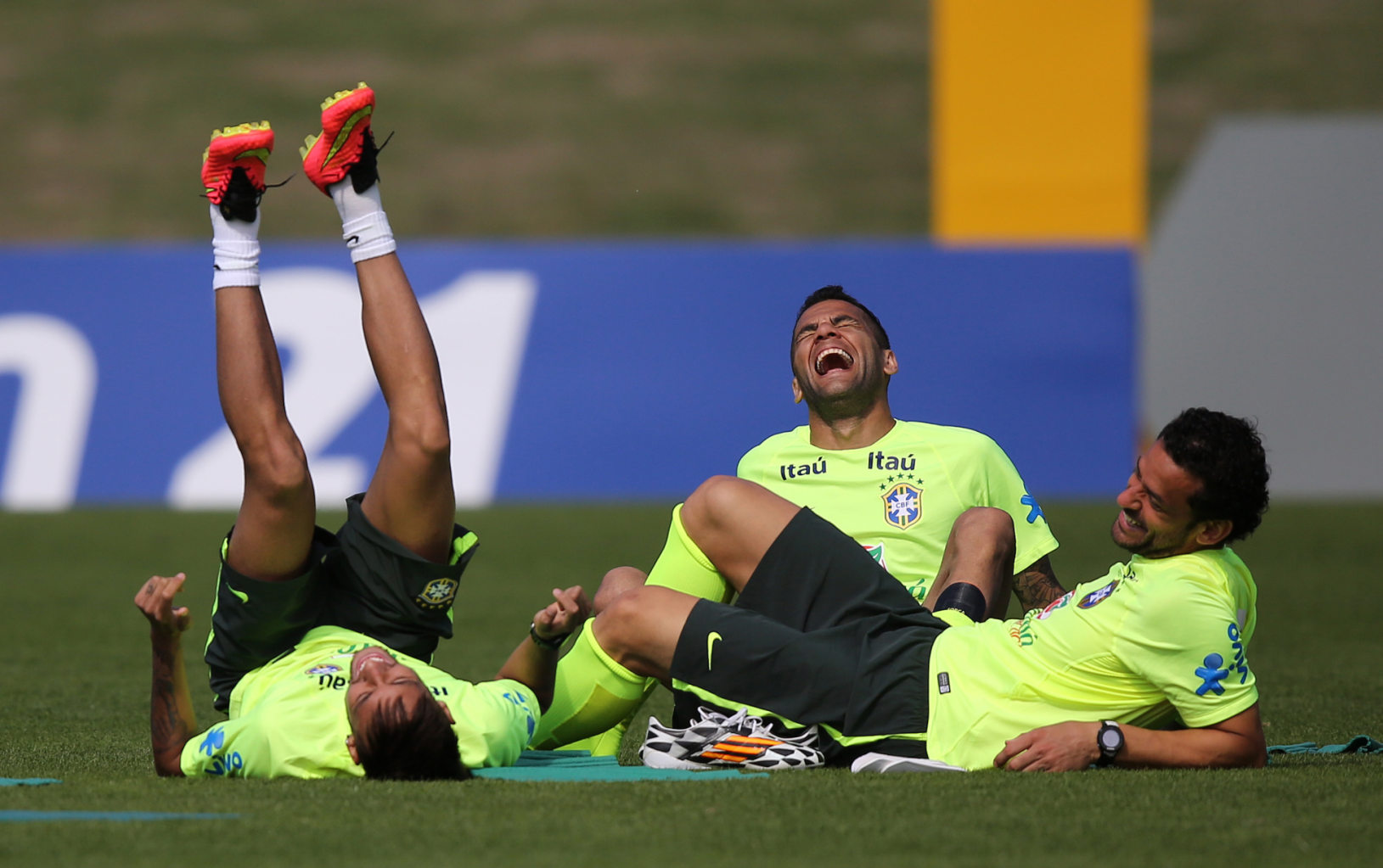 Neymar, Daniel Alves and Fred having a laugh
