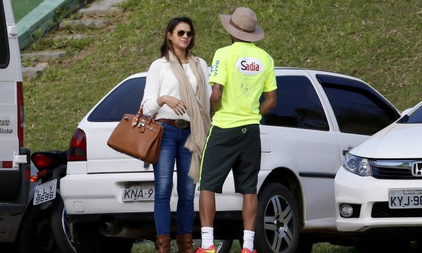 Neymar having the talk with former girlfriend Bruna Marquezine