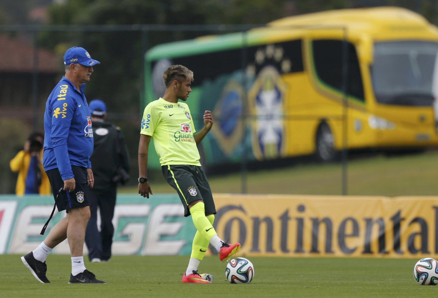 Neymar's new haircut and look in Brazil's World Cup 2014