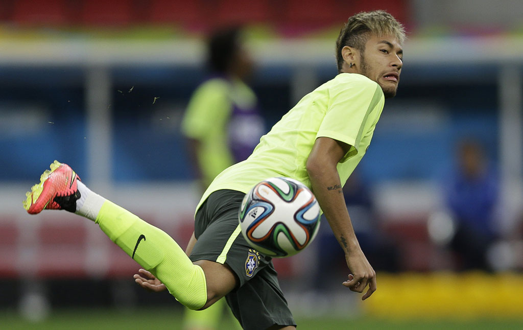 Neymar trying out a new trick in Brazil training