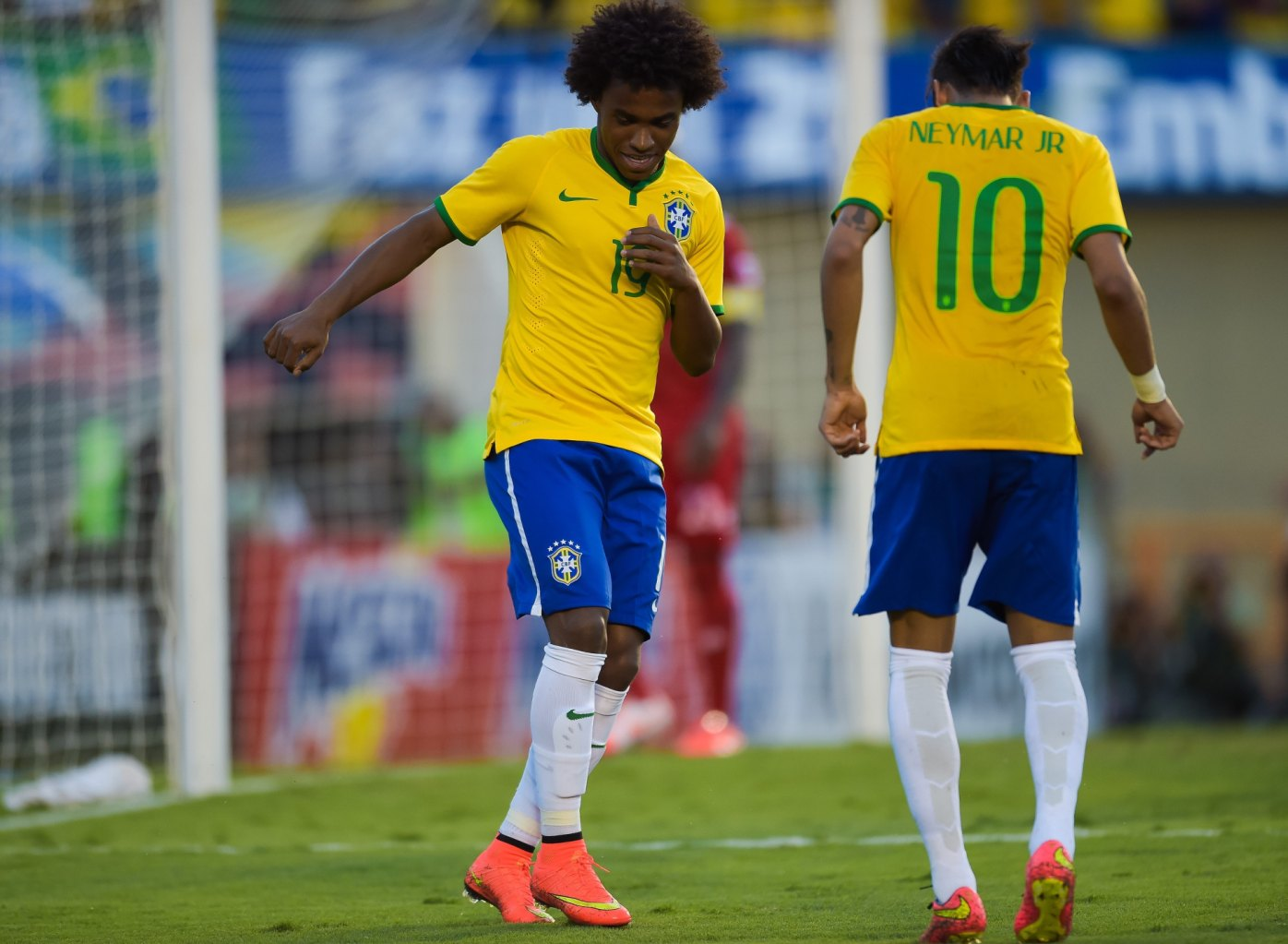 Willian and Neymar Jr dancing in Brazil