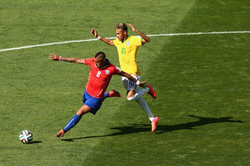 Arturo Vidal vs Neymar, in Chile vs Brazil