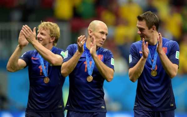 Netherlands players thanking the fans for the support in the World Cup 2014