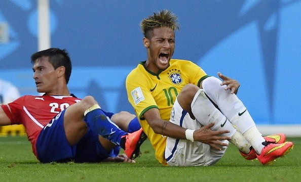 Scolari compares Neymar to Cristiano Ronaldo and demands more protection from the referees