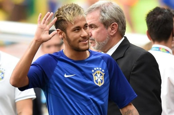 Neymar waving goodbye in Brazil's last game in the World Cup