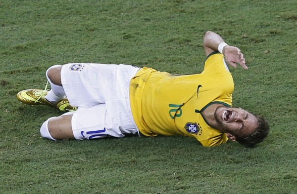 Neymar World Cup injury in his lower back, in Brazil vs Colombia