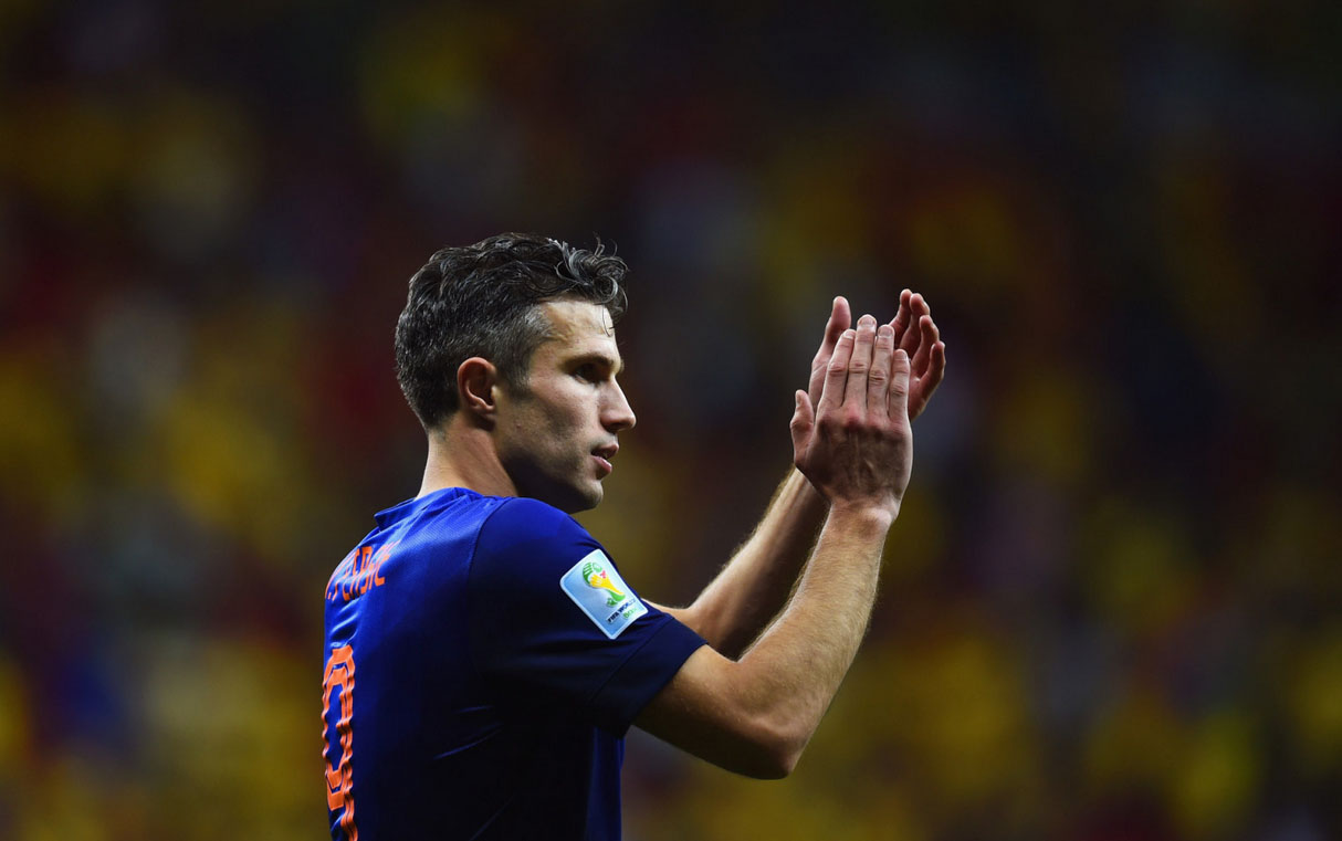 Robin van Persie clapping his hands