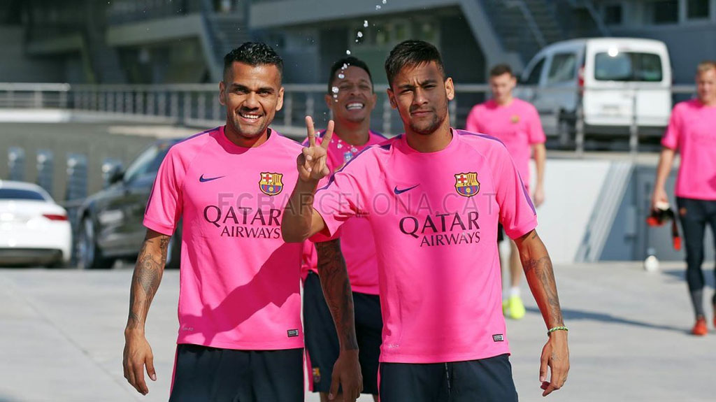 Daniel Alves and Neymar in Barcelona practice
