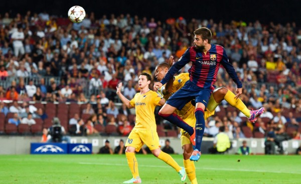Gerard Piqué goal in FC Barcelona vs APOEL, for the UCL