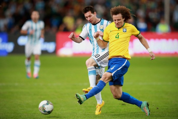 Messi vs David Luiz in Brazil vs Argentina