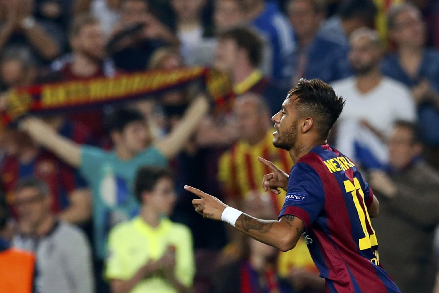 Neymar celebrating the opener in Barça 3-1 Ajax