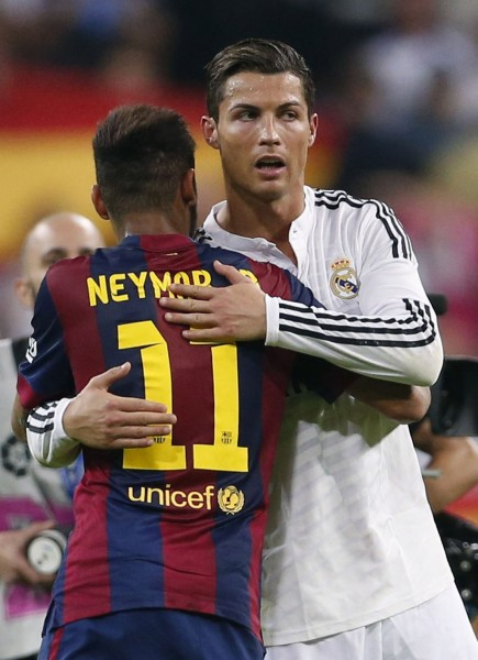 Neymar hugging Cristiano Ronaldo before a Real Madrid vs Barcelona game