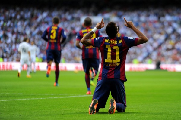 Neymar on his knees in the Bernabéu, after Barcelona goal