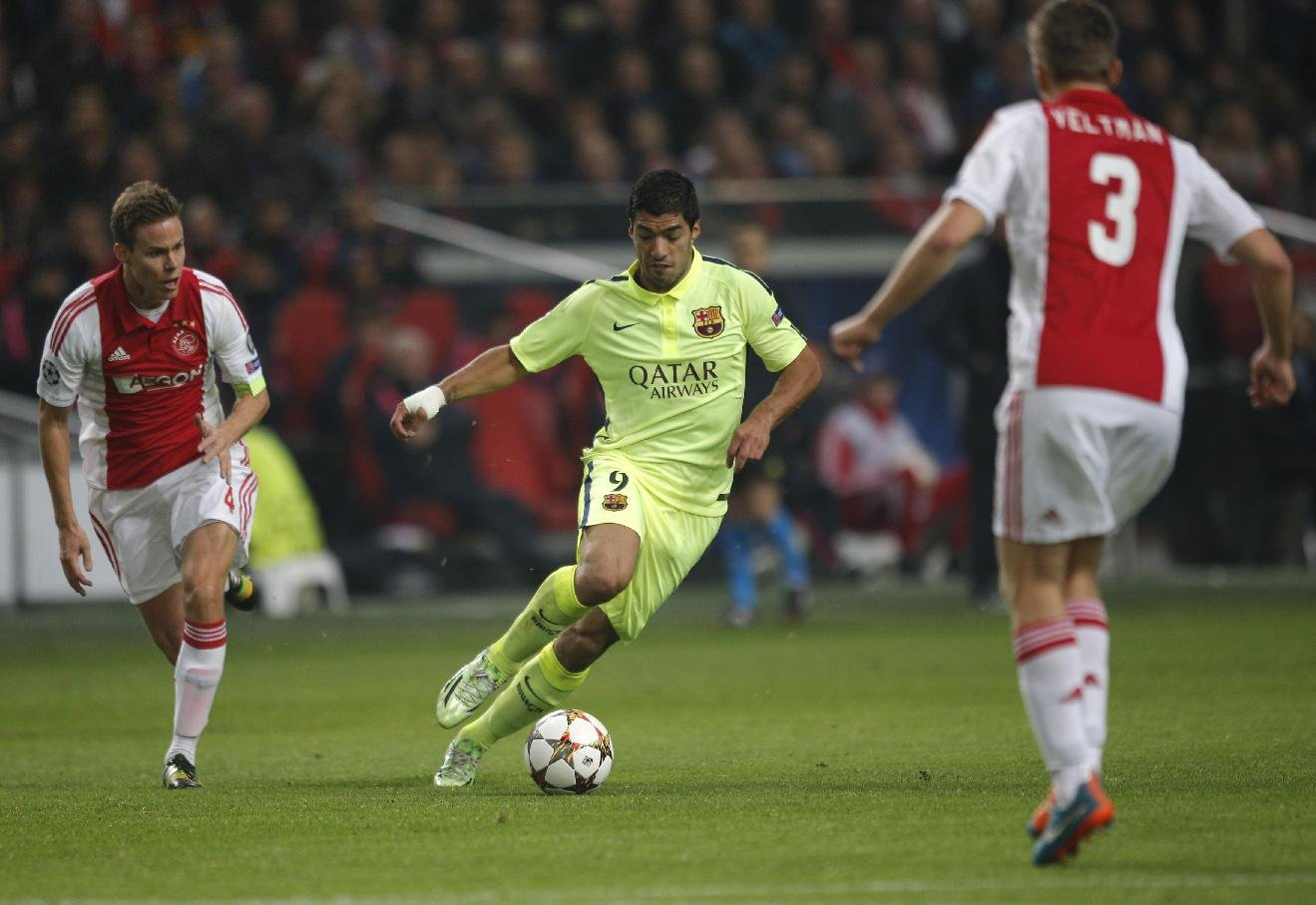 Luis Suárez makes his return to Amsterdam, in Ajax vs Barcelona in 2014-15
