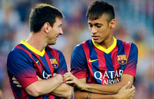 Messi and Neymar talking