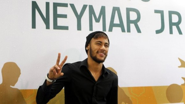 Neymar Jr in a public event for his own foundation