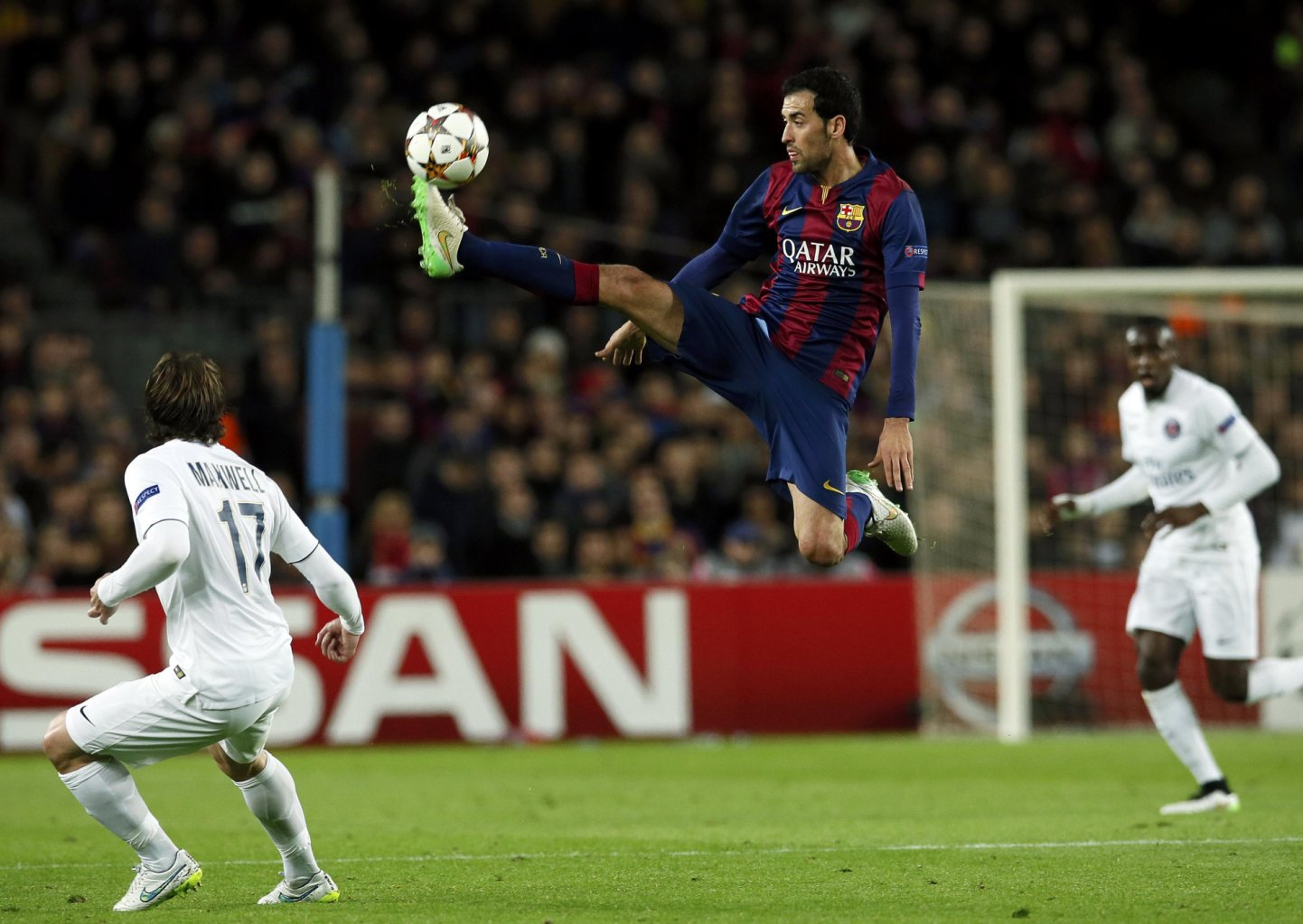 Sergio Busquets ball control in the air